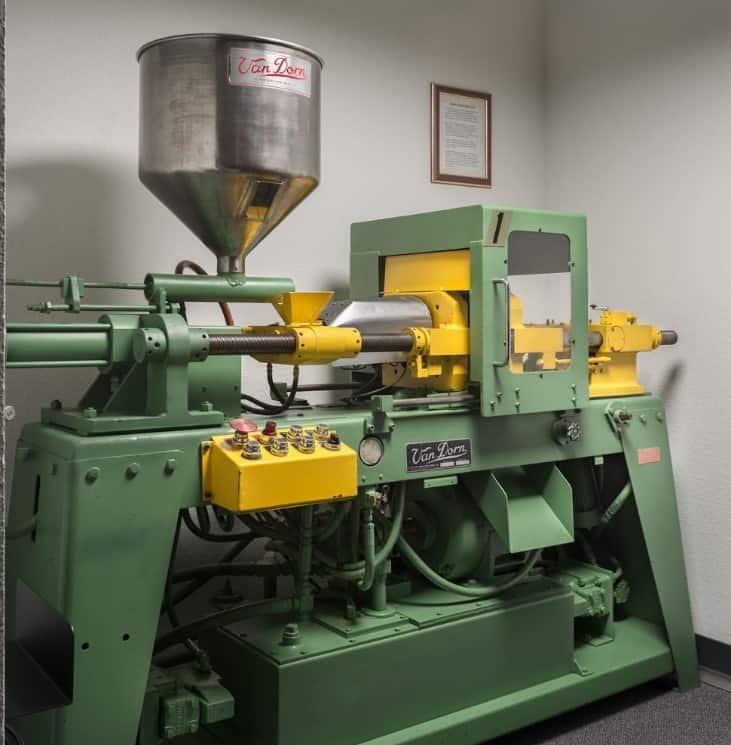 1957 Van Dorn injection molding machine restored